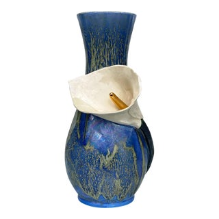 Vintage California Pottery Porcelain Calla Lilly Wrapped Sculpted Vase For Sale