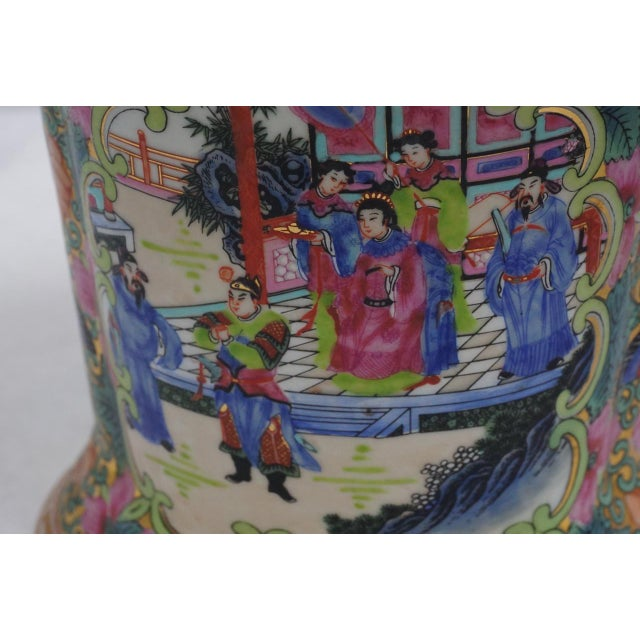 Vintage Chinese Rose Medallion Vase With Gold Handles For Sale In San Diego - Image 6 of 9