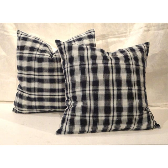 Wonderful 19thc woven homespun linen pillows with white vintage linen backings. Sold as a pair.