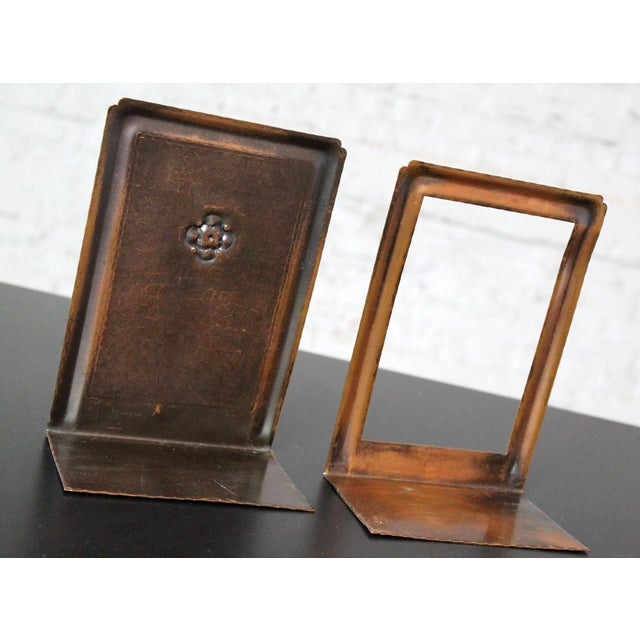 Roycroft Roycroft Hammered Copper Bookends - A Pair For Sale - Image 4 of 10
