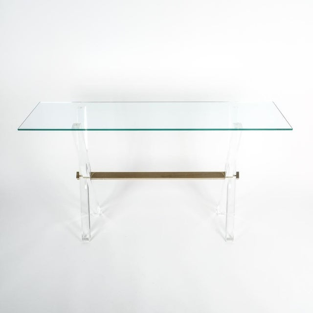 Mid-Century Modern Lucite and Brass X Frame Console Table, Circa 1970 For Sale - Image 3 of 13
