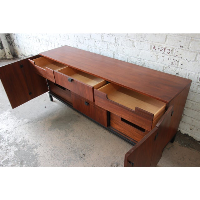 Brown Milo Baughman for Directional Mid-Century Modern Walnut Credenza or Triple Dresser For Sale - Image 8 of 12