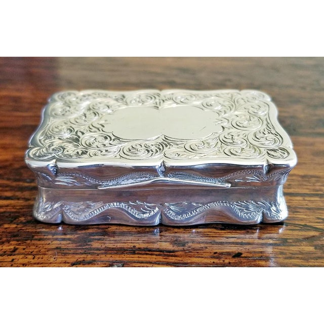 Mid 19th Century 19c Sterling Silver Snuffbox Birmingham 1848 by Rolason Bros For Sale - Image 5 of 13