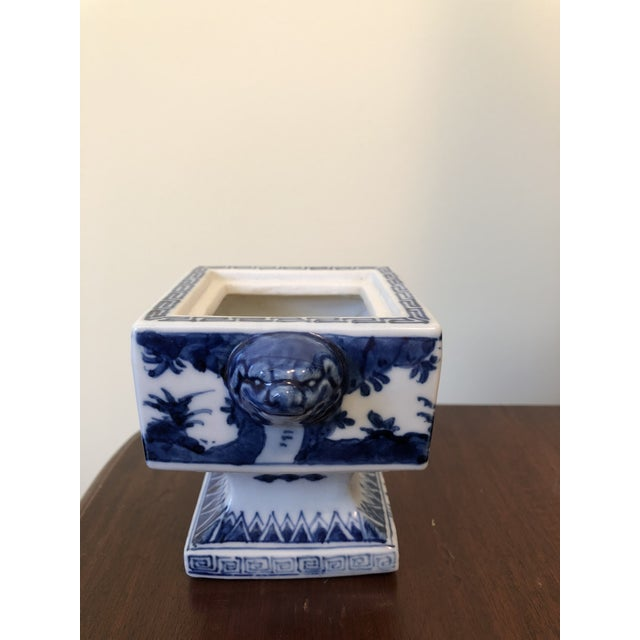 Fine Antique Chinese Blue and White Foo Dog Handles Ginger Jar, Signed 1711-1799 For Sale - Image 4 of 9