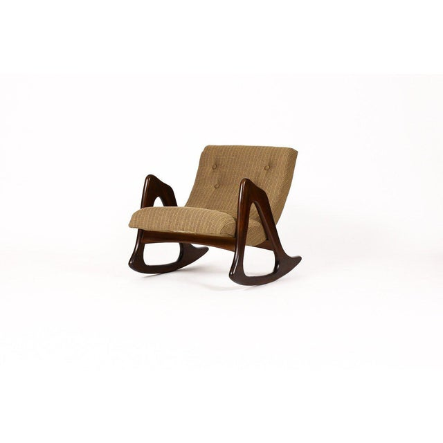 1960s Danish Modern Adrian Pearsall for Craft Associates Walnut Lounge Rocker For Sale In Los Angeles - Image 6 of 6