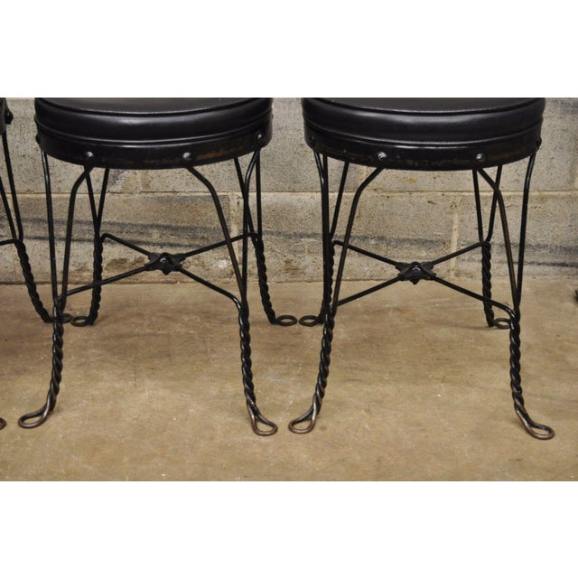 Early 20th Century Antique Twisted Heart Back Wrought Iron Ice Cream Parlor Dining Chairs - Set of 4 For Sale - Image 5 of 11