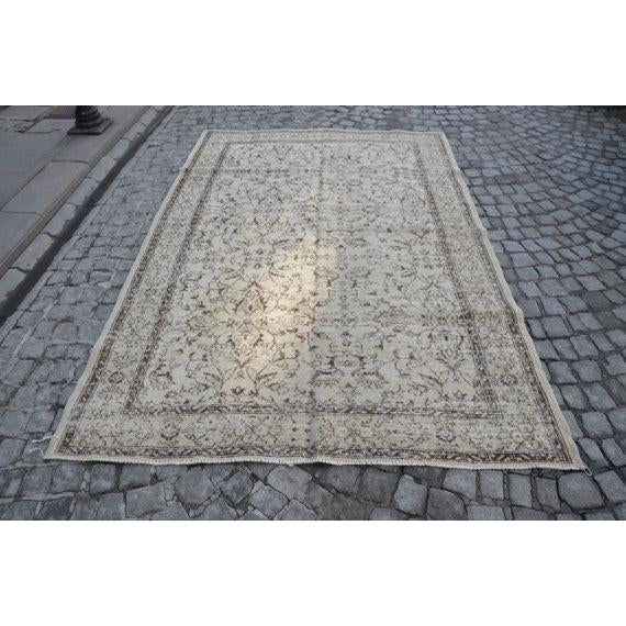 Vintage Handwoven Turkish Beige Oushak Floor Rug - 5′8″ × 8′6″ - Image 2 of 6
