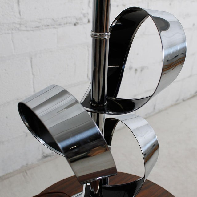 Mod '70s Chrome Table Lamp With Ribbon Motif For Sale - Image 7 of 7