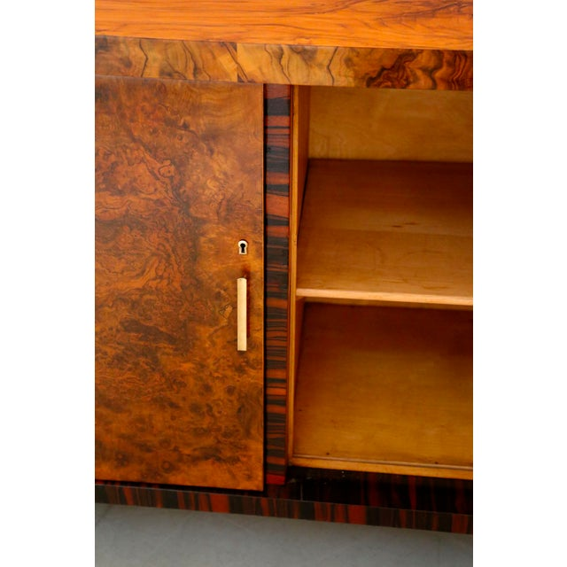 Gio Ponti Sideboard Midcentury in Walnut Briar and Brass Attributed, 1950s For Sale - Image 9 of 11