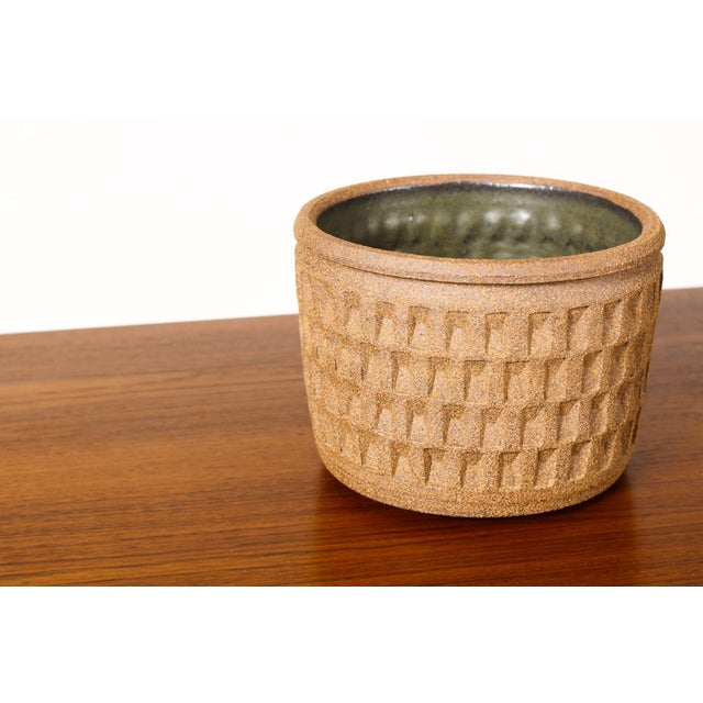 2010s Christian Boehr Ceramic Stoneware Planter — Small Weave Pattern — Raw Exterior | Glazed Interior — P20 For Sale - Image 5 of 6