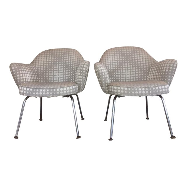 Saarienen Knoll Chairs - A Pair - Image 1 of 9