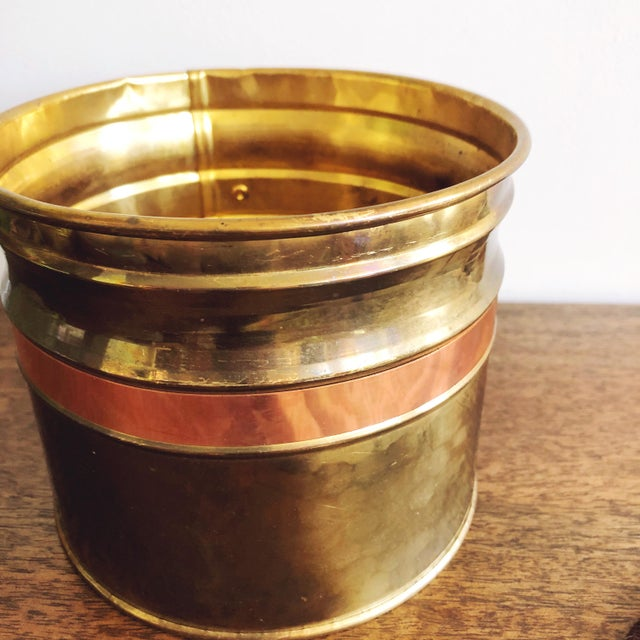 Mid-Century Modern Vintage Irish Hammered Brass and Copper Planters, a Pair For Sale - Image 3 of 7