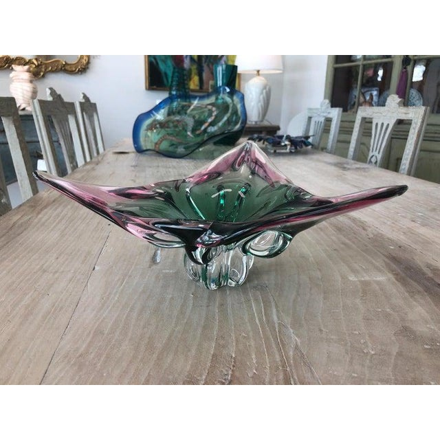 1960s Vintage Murano Glass Triangle-Shaped Green and Pink Bowl, Signed For Sale In West Palm - Image 6 of 11