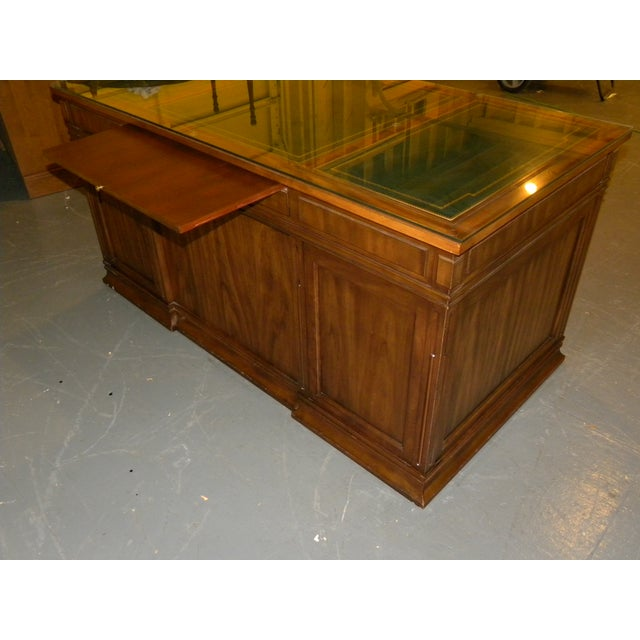 Leather Top Mahogany Desk by Sligh Furniture For Sale - Image 6 of 11