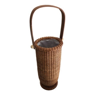 1970s Vintage Nantucket Style Wicker Basket Bottle Carrier For Sale