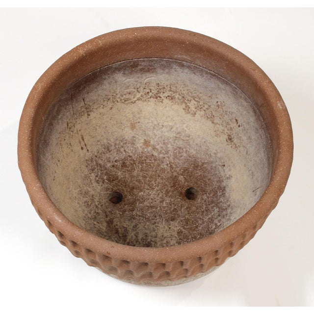 Exceptionally well preserved Stan Bitters thumb pot planter for Hans Sumpf. No cracks or chips. Includes original saucer.