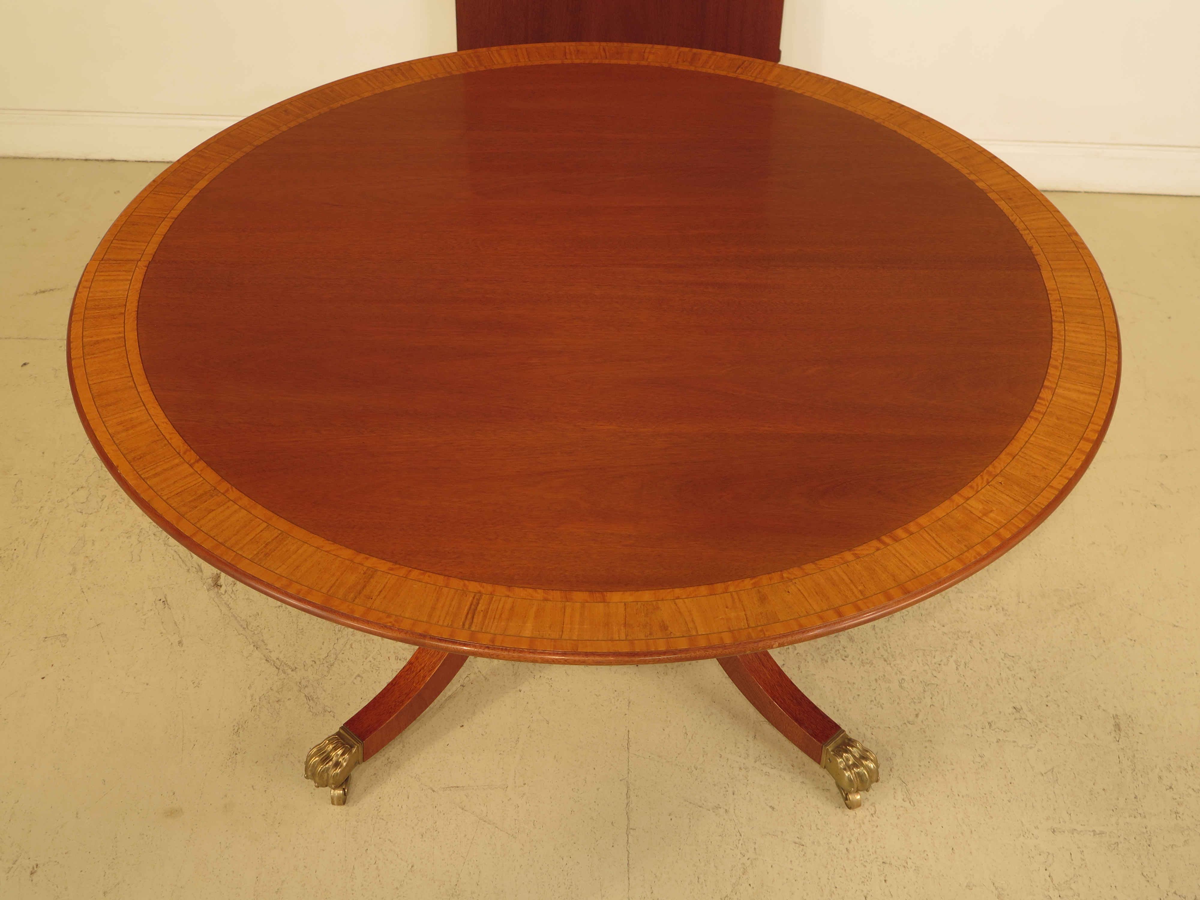 William Tillman Custom Made Round Mahogany Dining Room Table   Image 3 Of 11