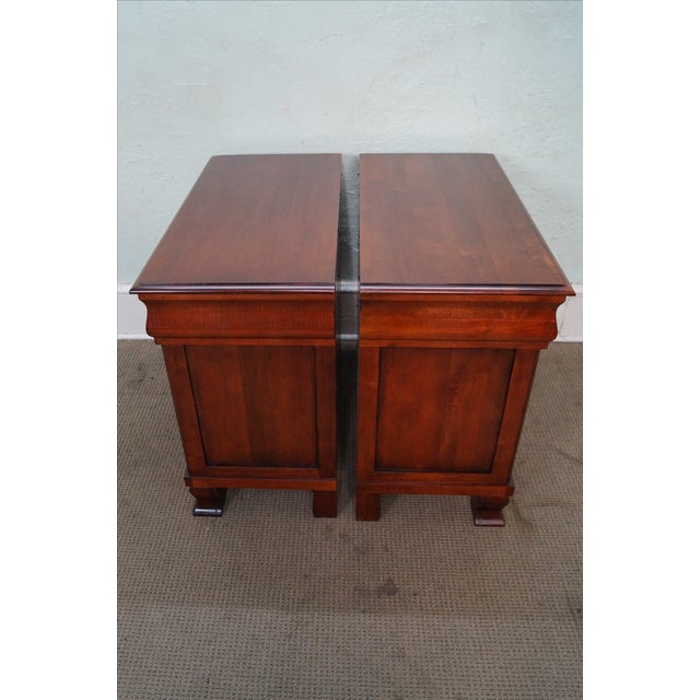 """Traditional Ethan Allen British Classics """"Daryn"""" Nightstands - Pair For Sale - Image 3 of 10"""
