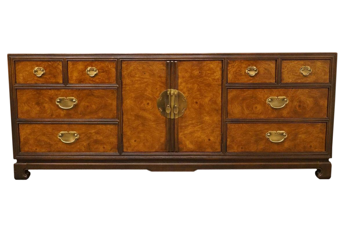 Exceptionnel Late 20th Century Drexel Tai Ming Collection Asian Chinoiserie Triple Door  Dresser