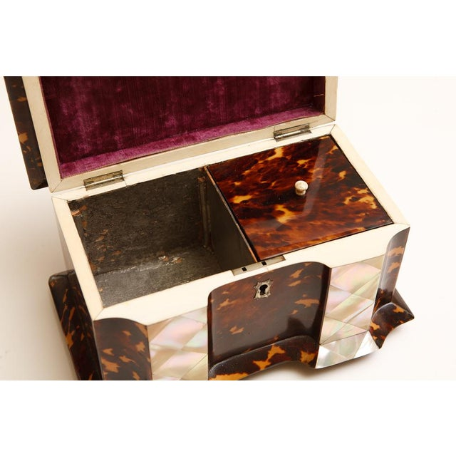 Traditional 19th Century Tortoise Shell Tea Caddy with Mother of Pearl Inlay For Sale - Image 3 of 6