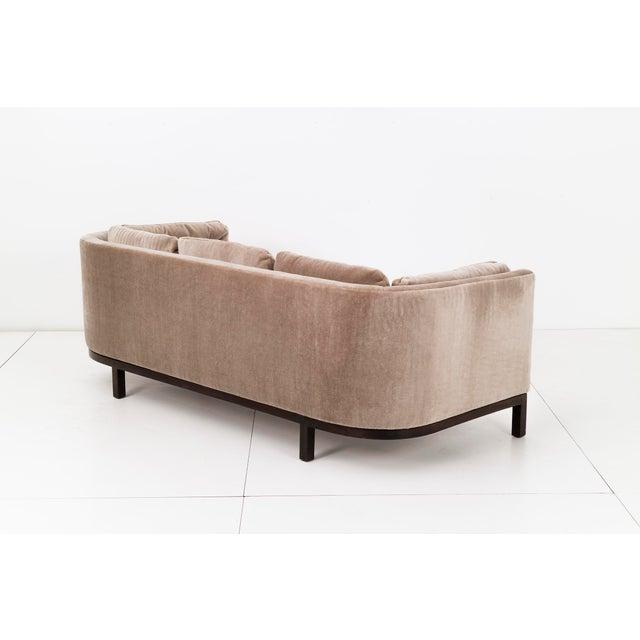 Dunbar Furniture Roger Sprunger Curved Back Sofa for Dunbar For Sale - Image 4 of 10