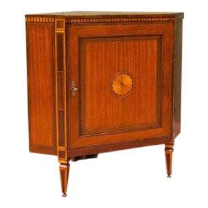 Early 19th Century Inlaid Satinwood Corner Cupboard For Sale