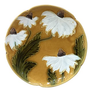 Majolica White Daisies Platter, Circa 1900 For Sale
