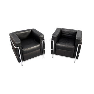 Charles Le Corbusier Lc2 Style Black Leather and Chrome Club Chairs - a Pair For Sale