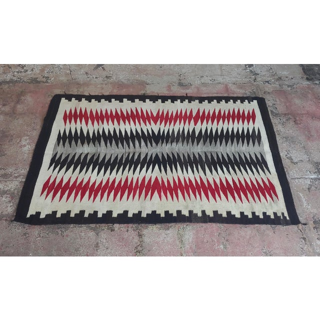 Native American Vintage Navajo Rug w/Red Brown & beige design circa 1930s A beautiful piece that will add to your décor!...