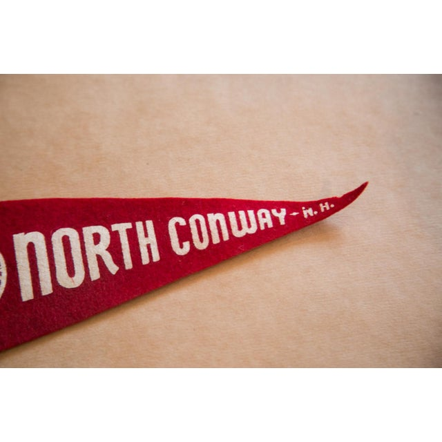:: Vintage North Conway felt flag banner with imagery of the skimobile on Mount Cranmore. Circa 1950s, this pennant is in...