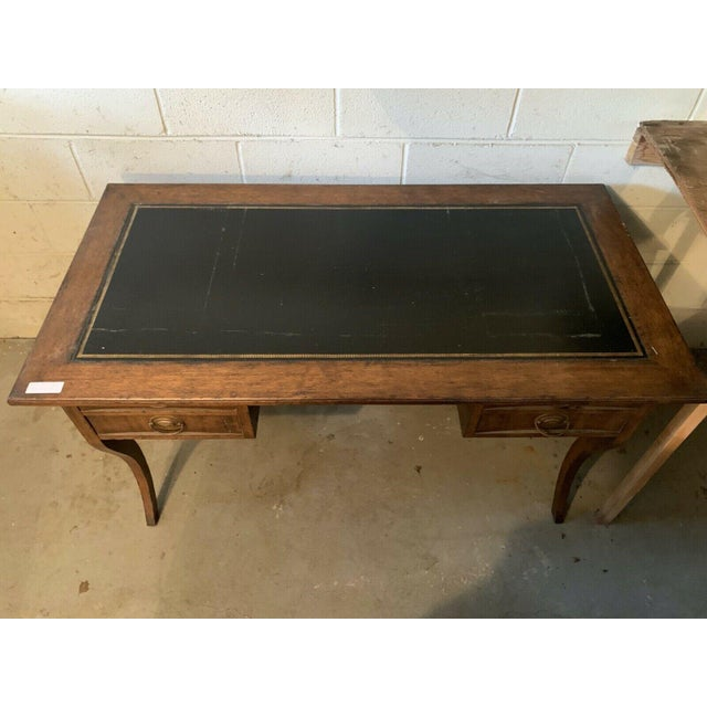 Late 20th Century Late 20th Century English Traditional Leather Top Writing Desk For Sale - Image 5 of 10