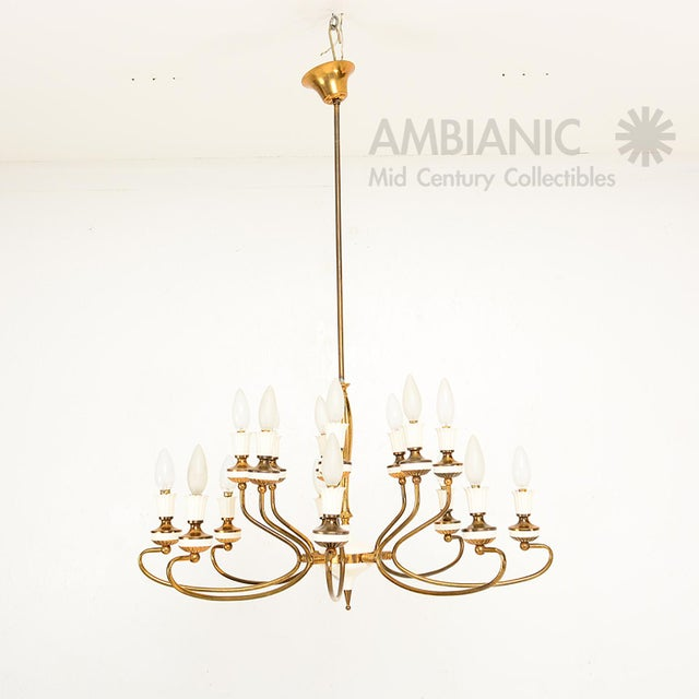 For your consideration a vintage Italian chandelier, two tiers with eight bulbs per tier. Total of 16 bulbs (E-14)....