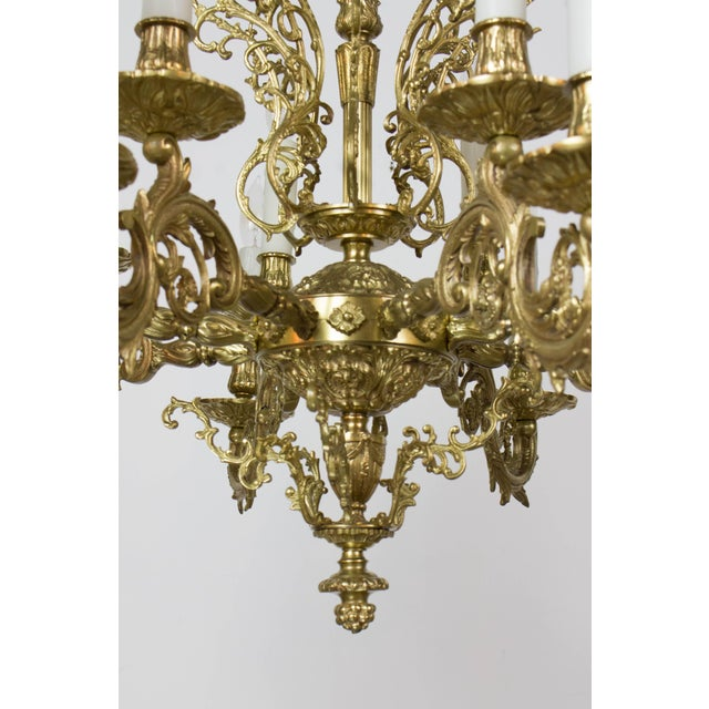 Traditional 20th Century Traditional Sixteen Light Cast Brass Chandelier For Sale - Image 3 of 6