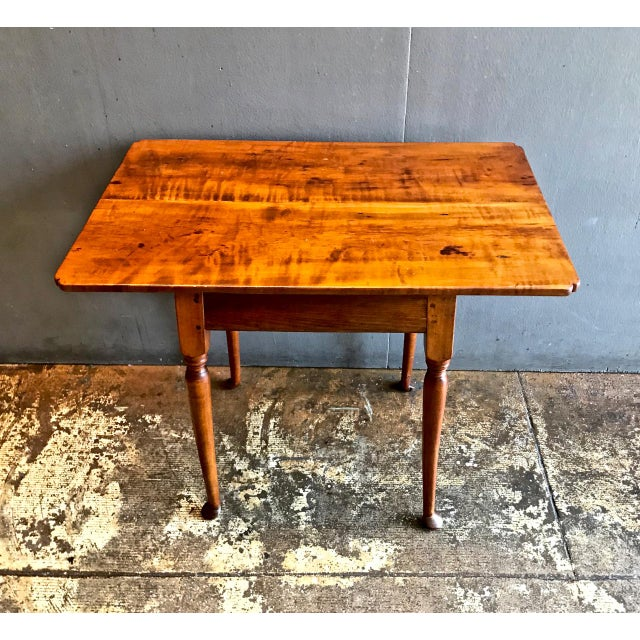 Brown 18th C. American Queen Anne Tiger Maple Queen Anne Tavern or Side Table For Sale - Image 8 of 10