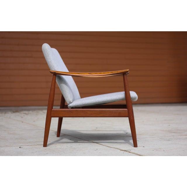 1950s Mid-Century Modern Finn Juhl Model Fd 138 Lounge Chair For Sale In Seattle - Image 6 of 12