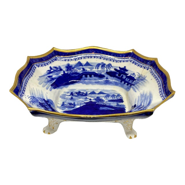 19th Century Early English Blue & White Chinoiserie Footed Bowl For Sale