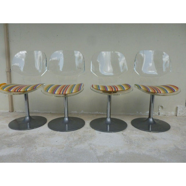 Mid-Century Modern Set of 4 Space Age Mod 70's Lucite and Aluminum Swivel Chairs For Sale - Image 3 of 8