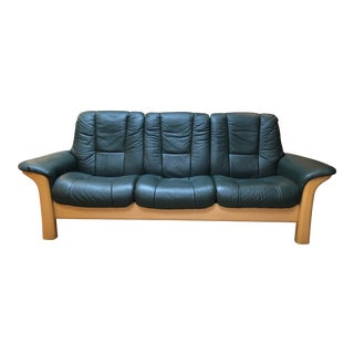 Ekornes Buckingham Deep Green Leather Sofa For Sale