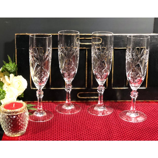Cristal d' Arques Mid 20th Century Cristal De Paris Lead Crystal Hand Cut Champagne Glasses - Set of 4 For Sale - Image 4 of 8