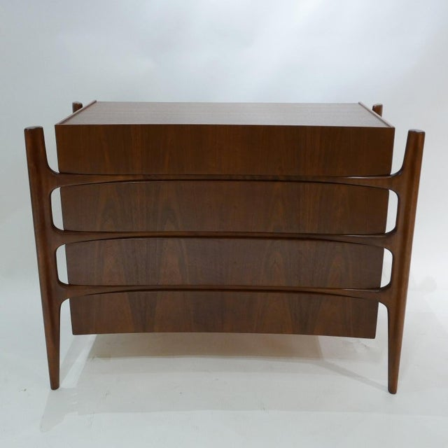 Sculptural William Hinn for Urban Furniture Scandinavian 4 Drawer Walnut Chest For Sale - Image 9 of 11