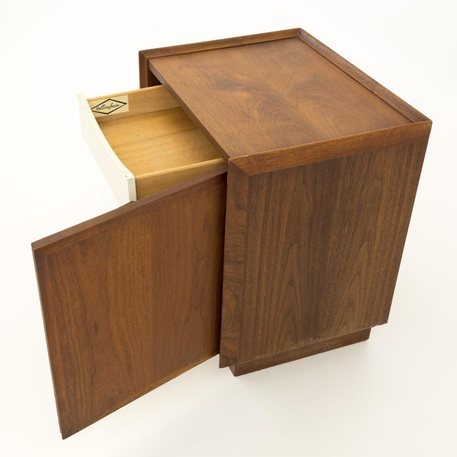Mid 20th Century Mid Century Modern Dillingham Nightstand For Sale - Image 5 of 10