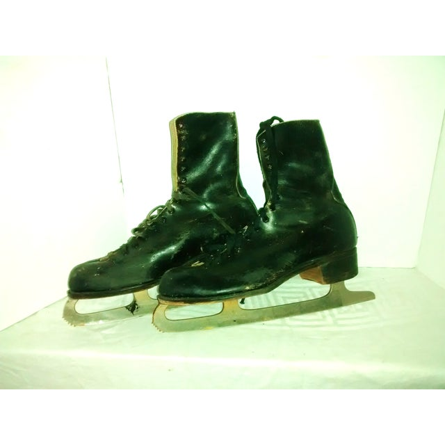 Vintage 1950 Men's Ice Skates Holiday Decor - A Pair - Image 3 of 7