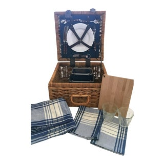 1990's Williams Sonoma Picnic Basket for 2 For Sale