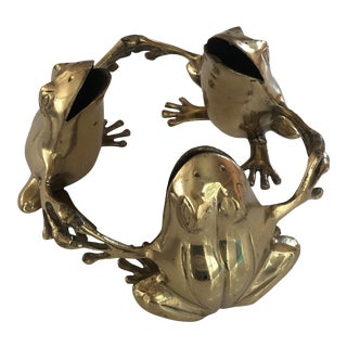 Vintage Brass Trio of Frogs For Sale