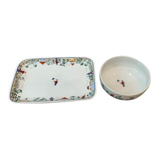 Chinoiserie Porcelain Serving Tray and Bowl For Sale