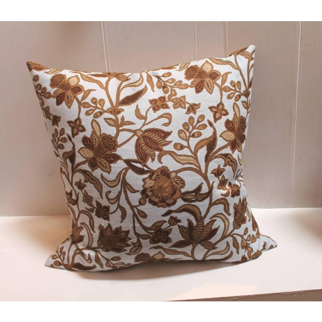 American Classical Pair of Stenciled on Linen Pillows For Sale - Image 3 of 4