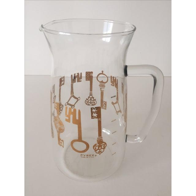 Vintage Pyrex Glass Gold Key Beverage Pitcher - Image 4 of 10