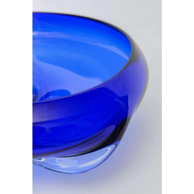 1992 Mauro Becchini For Murano Cobalt Blue Bowl For Sale - Image 9 of 10