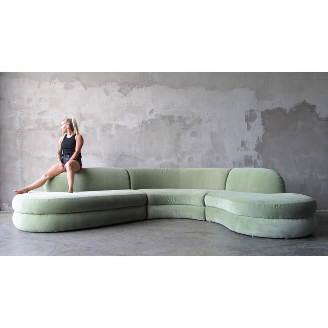Sensuous 'Serpantine' sectional designed by Milo Baughman for Thayer Coggin, c. 1970s. This piece is in excellent...