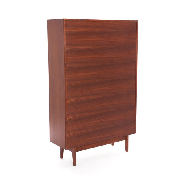Mid-Century Modern Pair of Jens Risom Walnut Bookcases For Sale - Image 3 of 7